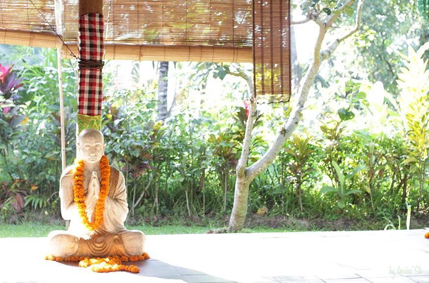 yogaswasti-bylouisesk